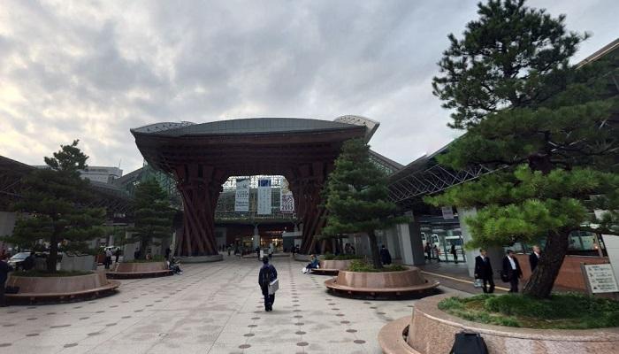 金沢駅東広場